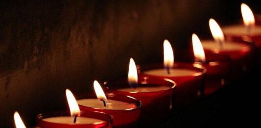 Na czym polega organizacja ceremonii pogrzebowej